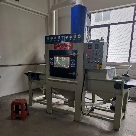全自動噴砂機 手機外殼輸送式噴砂機 自動干噴砂機 配置獨立濾芯除塵器