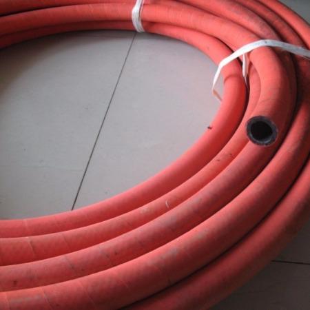 耐高温蒸汽胶管供输送165℃~220℃的饱和蒸汽或过热水适用於蒸汽清扫器蒸汽锤平板硫化机及注塑
