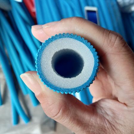 地暖压花保温管厂家直销热水器 红蓝保温护套管 分水器红蓝压花管