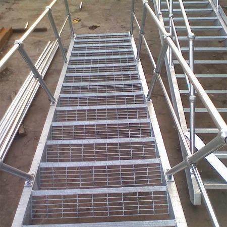 厂家直供 镀锌防滑钢格板 可定制 聚晶钢格板
