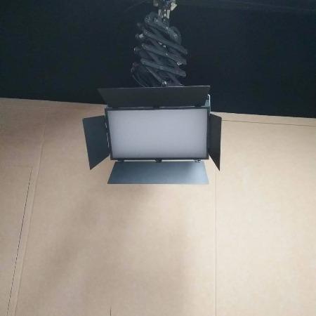 耀诺电视台虚拟演播室led平板灯