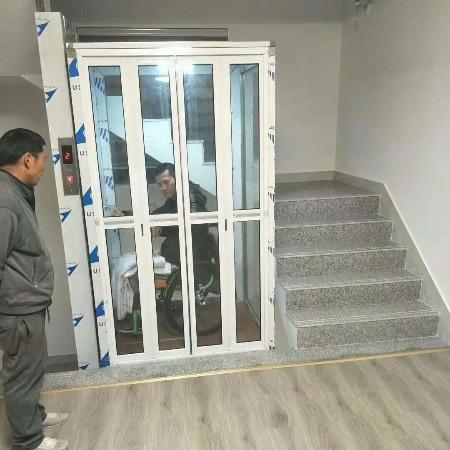 楼梯中间加装家用电梯多少钱