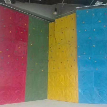 人工攀岩墙 扣扣攀定制厂家 室内外攀岩设备-聚巧游乐