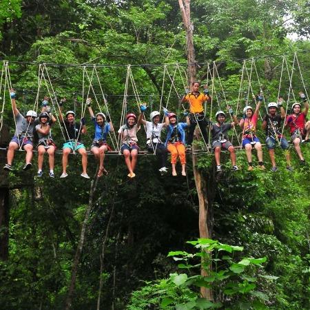 高空滑索 丛林滑索 丛林飞跃 高空丛林穿越 丛林拓展 丛林穿越 丛林游乐设备厂家设计定制