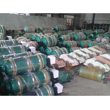 山东厂家长期批发销售各种型号油冷式电动滚筒 结构简单紧凑 占用空间面积小