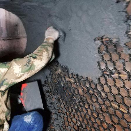 耐磨陶瓷涂料水泥厂管道耐磨胶泥 龟甲网防磨料