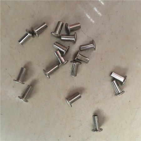 厂家直销平头铁铆钉 半圆头铆钉 钉型号齐全