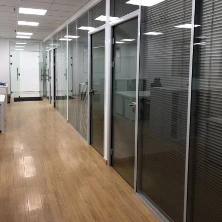 科美隔断  各种型号办公室玻璃隔断、活动隔断 防火隔断墙