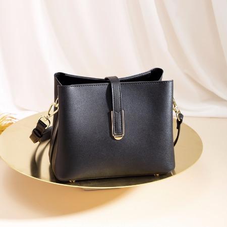 袋鼠女包2019年新品单肩包软皮小方包纯色斜挎小包包手拎包女时尚休闲包BWBD0220033黑色