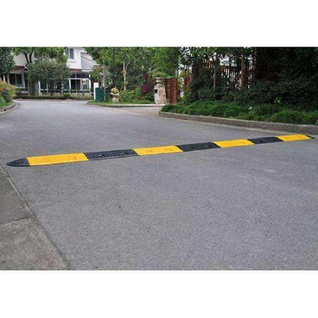 专业定制 橡塑减速带 公路缓冲减速带质量好