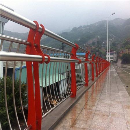 不锈钢桥梁护栏设计 防撞桥梁护栏定制 桥梁护栏立柱厂家