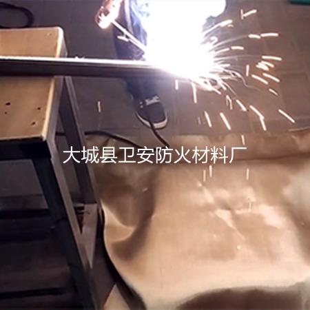 高硅氧电焊防火毯-金色电焊防火毯-电焊防护措施