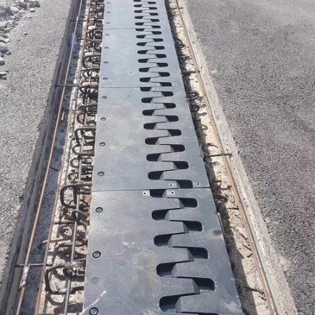 梳齿型桥梁伸缩缝生产厂家价格便宜