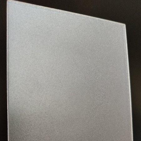 光扩散板是用PC材质的好还是用PMMA材质的呢?