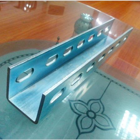 U型槽设备 U型槽双边冲孔机 槽钢冲孔一体成型机 定制槽钢 泊丰精工