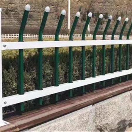 厂家直销 小区锌钢草坪护栏 市政园林焊接式锌钢道路护栏网 花池锌钢围栏
