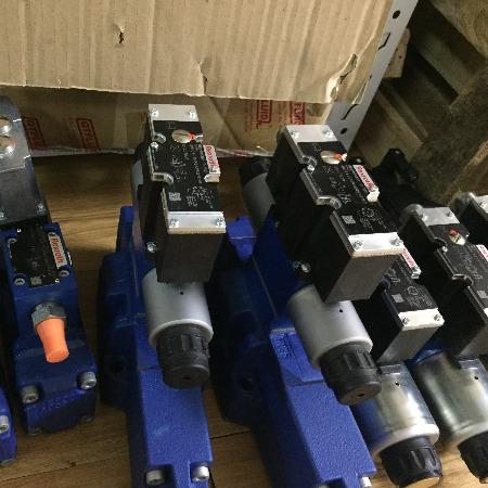 上海布赫销售原装R9009758994WRZ25W8-325-7X/6EG24N9EK4/D3M