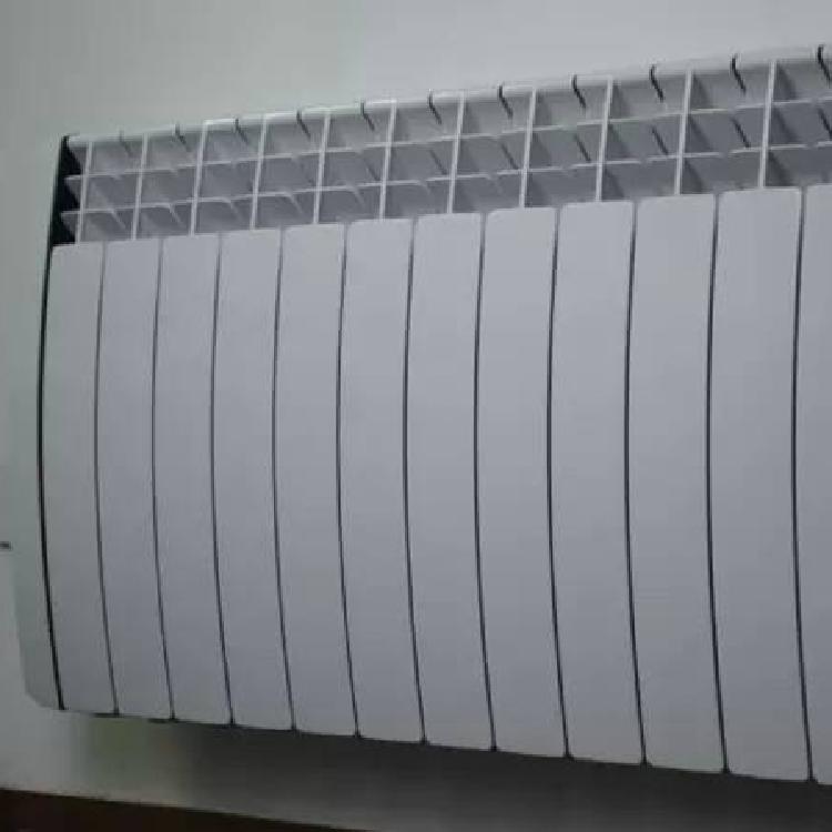 成都钢制电老房装暖气片安装【美辰暖通】钢制暖气片厂家直销。