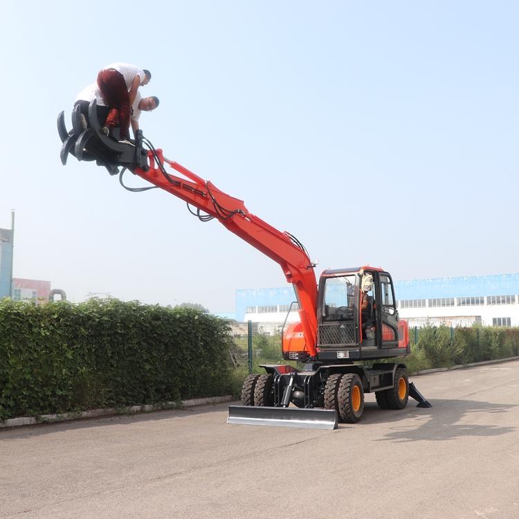 济宁恒远直销95轮式挖掘机抓木机360度旋转整机质保价格低