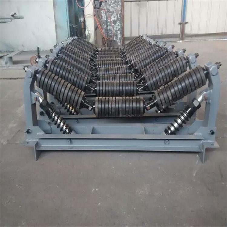 廠家供應鐵鋼輸送皮帶機耐磨托輥 煤礦三聯串吊掛式托輥組批發定制