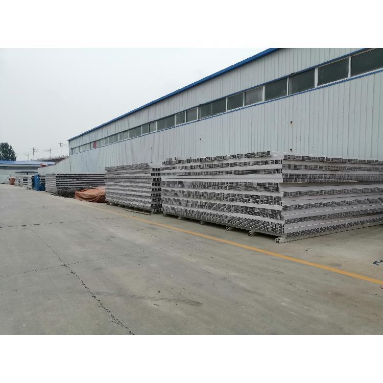 QH/乾海塑研 张家口厂家专业生产PVC格栅管.PVC九孔格栅管. PVC四孔格栅管  现货销售