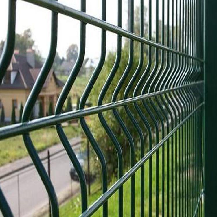 方海浸塑绿色折弯护栏网安全防护美观经济厂家热销浸塑绿色折弯护栏网