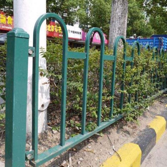 锌钢草坪护栏 pvc绿化带围栏庭院隔离户外栏杆定制 实体厂家 规格齐全