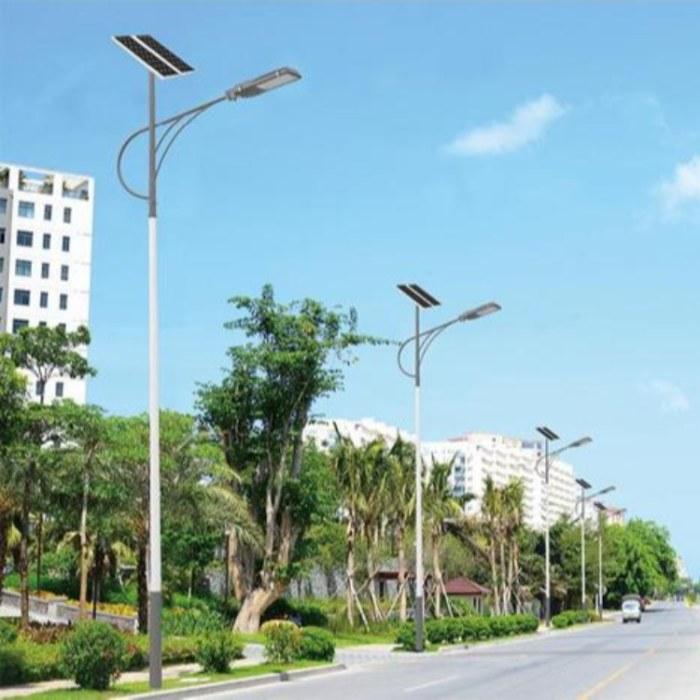 厂家现货直销网球场/篮球场/足球场用各做规格球场灯杆太阳能路灯