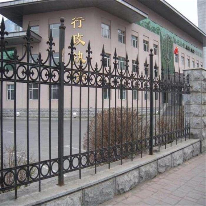 欧式铁艺护栏 专业订制生产 高档别墅欧式铁艺楼梯护栏 欧式小区围墙 来电咨询