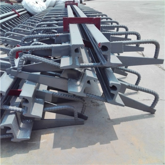 e80型桥梁伸缩缝 碎石弹性tst无缝伸缩缝报价
