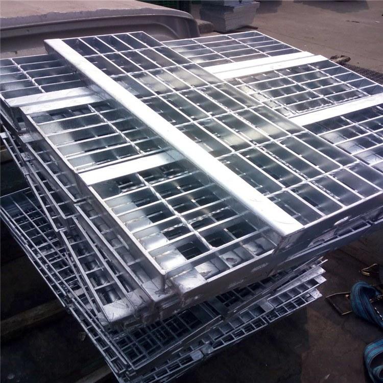 厂家供应热镀锌钢格板 特源批发定制防滑踏步板