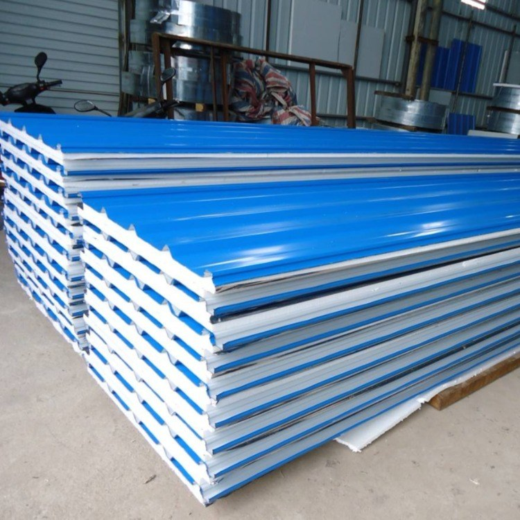 彩钢泡沫瓦楞夹芯板   屋面夹芯板  980型 950型  隔热保温屋面板