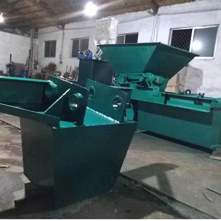 黑龙江辽宁吉林建水渠的机器是什么自动浇筑水沟的机子 农田水渠改造机