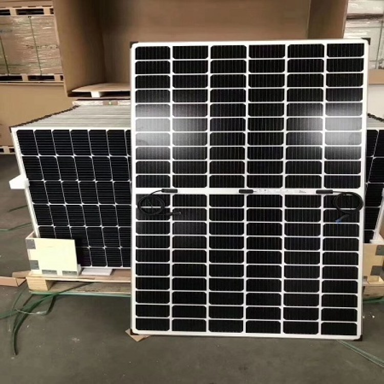 专业高价回收光伏发电板 太阳能发电板高价上门回收 怡凡鑫硅