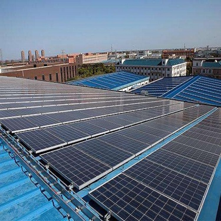 全国高价回收太阳能光伏板,报废光伏板回收