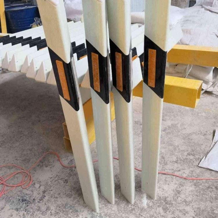 玻璃钢柱式轮廓标 pvc柱式轮廓标百米桩 伟安生产厂家