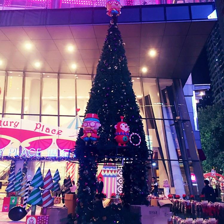 哪里有10/20/30米的大型圣诞树呢 快来暖尔厂家定制一款户外仿真装饰圣诞树吧