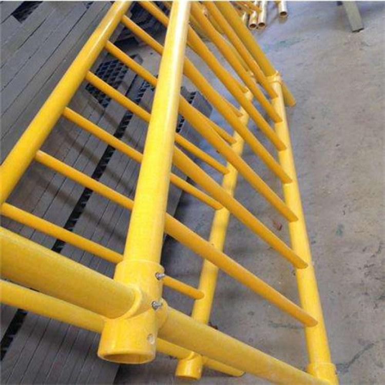 批发玻璃钢拉挤方管 按需定制玻璃钢拉挤型材厂家直供