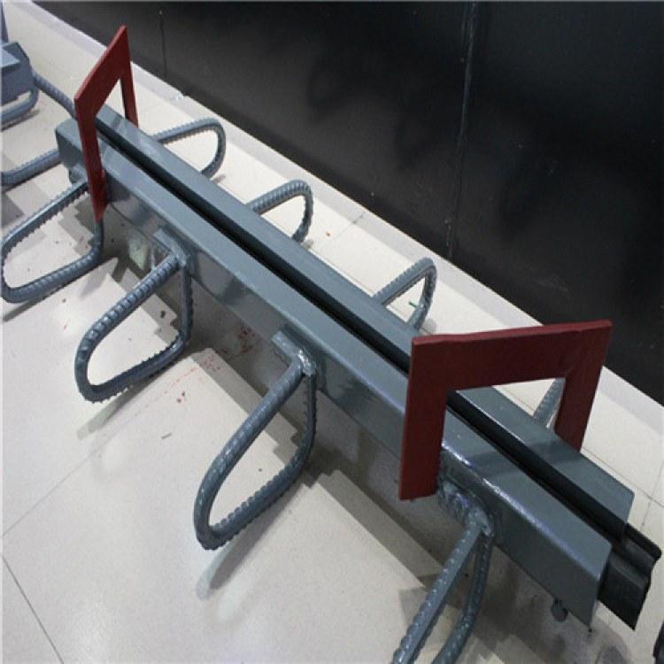 gqf-z80型桥梁伸缩缝装置带胶条 rg80型桥梁伸缩缝批发