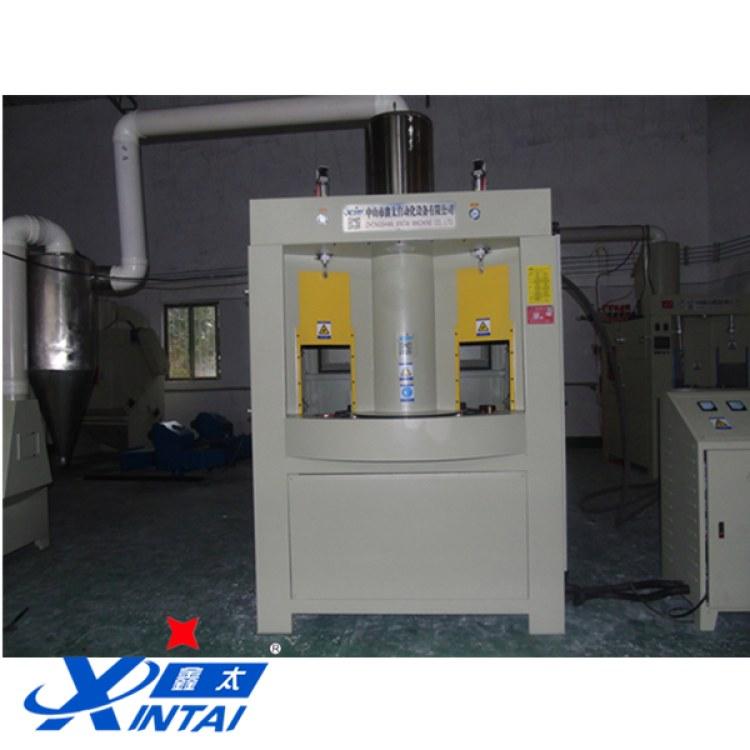 中山鑫太轉盤式自動噴砂機生產廠家 環保連續式自動噴砂機