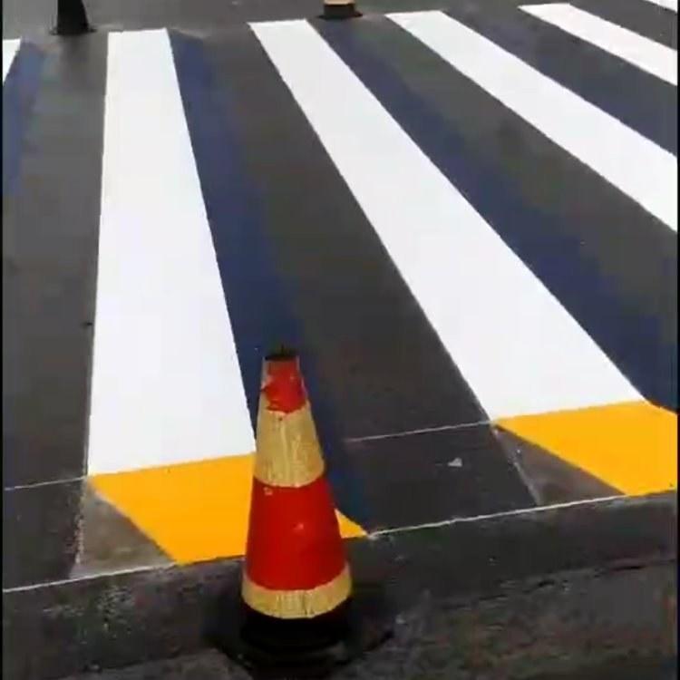 贵州创洁净道路热熔划线,道路划线,热熔划线,贵阳车位划线