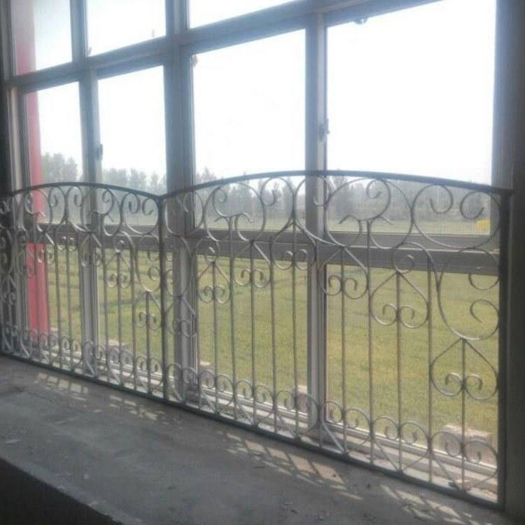厂家供应楼梯扶手 室内外阳台护栏 飘窗锌钢栏杆