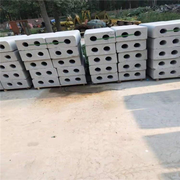 专业提供水泥预制品/平石 /条石/,水泥预制品寿命30年,不会出现褪色
