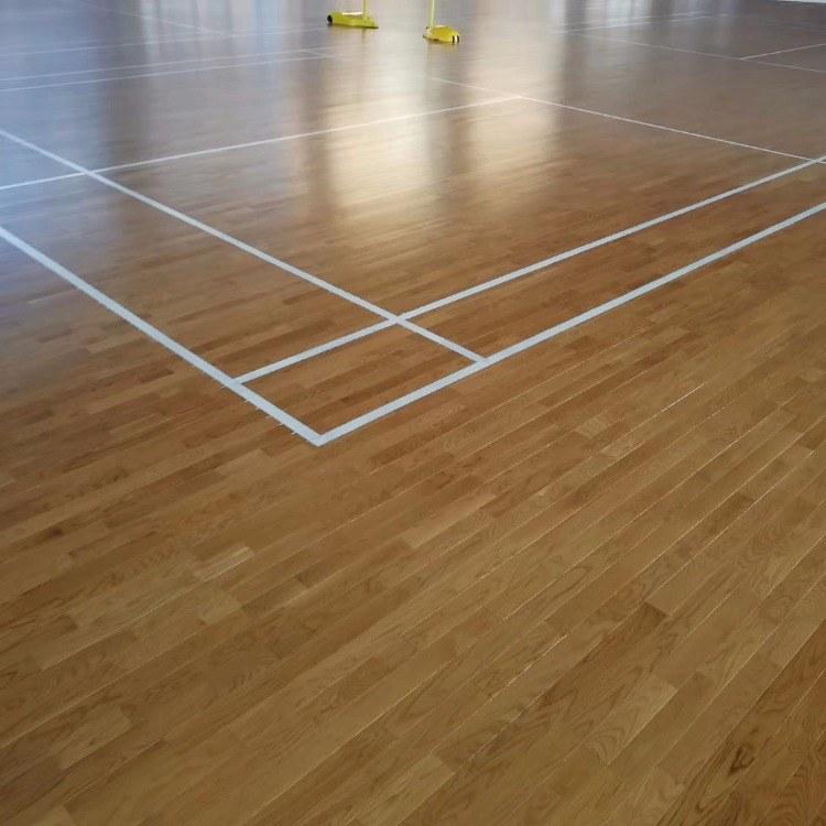 新势利羽毛球场木地板,室内篮球场地板,专业体育木地板厂家直销