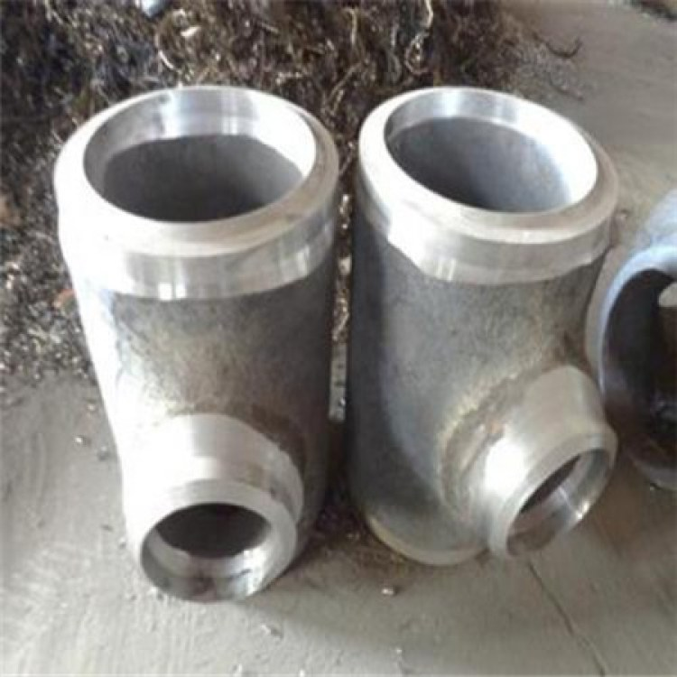 碳钢低压三通 不锈钢等径三通  孟村回族自治县新星法兰厂
