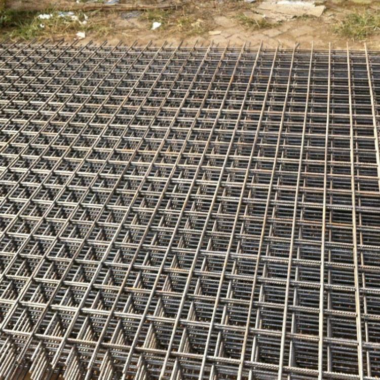 工地网片建筑网片黑铁丝网1*2米6*6网孔电焊铁丝网工地筛网  河北帅森