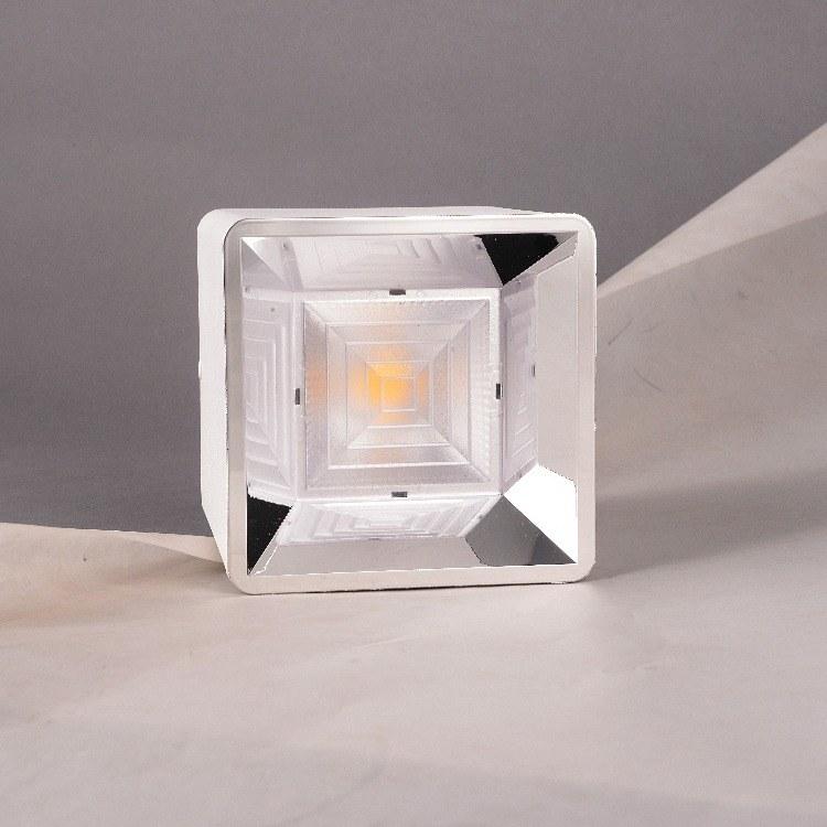 柯迅照明厂家直销 明装方形LED筒灯 办公简约装饰方形COB筒灯