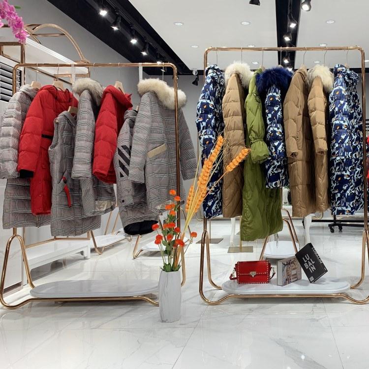 法国品牌【羽芮】19冬高端羽绒服广州品牌折扣女装尾货走份 直播女装货源