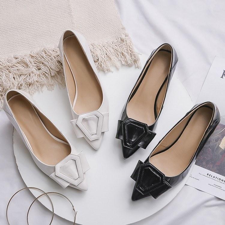 真皮鞋子2019新款女尖头粗跟浅口单鞋白色中跟职业百搭上班女士鞋