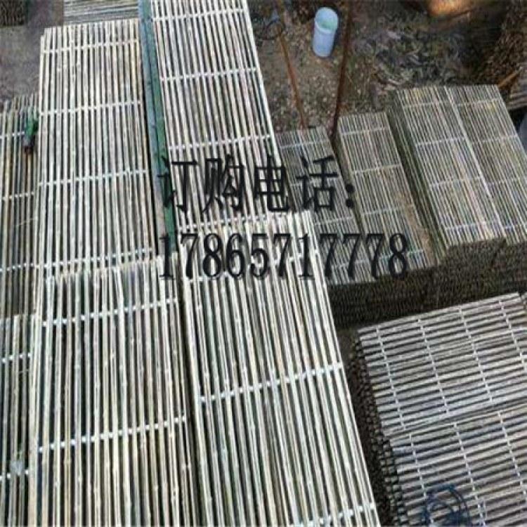 鑫诚源竹羊床漏粪板 竹羊床价格 碳化竹羊床 竹羊床价格 精品羊床 保质保量